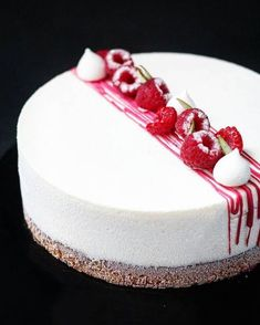 Easy Cake Decorating Themes And Ideas Pretty Cakes, Beautiful Cakes, Amazing Cakes, Cupcakes, Cupcake Cakes, Patisserie Fine, Cheesecake Decoration, Delicious Desserts, Dessert Recipes