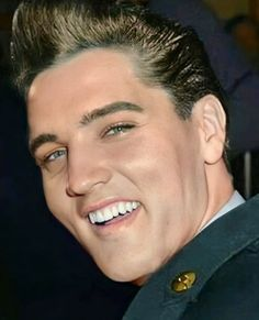 Elvis Presley Family, Elvis Presley Photos, Tom Selleck Movies, Elvis Sightings, Elvis Today, Rockabilly Rebel, Army Day, Most Handsome Men, Psychobilly