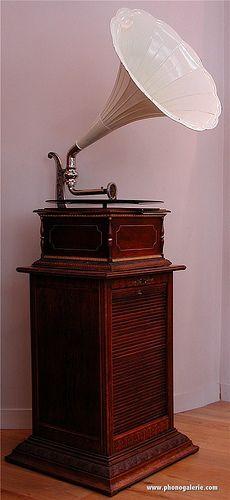 pathephone-S-1910    #TuscanyAgriturismoGiratola