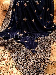 Tila Lined geometric velvet shawl Indian Wedding Wear, Indian Bridal Outfits, Pakistani Bridal Dresses, Velvet Shawl, Velvet Suit, Pakistani Fashion Party Wear, Abaya Fashion, Velvet Dress Designs, Dress Design Sketches