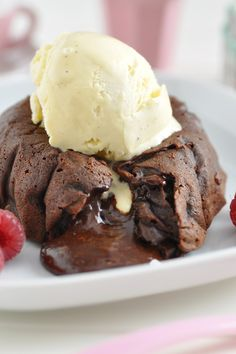 Molten Chocolate Cakes with Espresso Cream Recipe