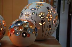 Could make out of polymer creating gapes/holes and put over a tea light (electric or real) or even a candle. __________________________________ Could be polymer... Ceramica Iluminada