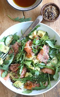 Smoked Salmon & Avocado Salad with Japanese Ponzu Dressing Smoked Salmon Salad, Salmon Salad Recipes, Smoked Salmon Recipes, Salmon Avocado, Easy Asian Recipes, Healthy Recipes, Healthy Nutrition, Healthy Eating, Salmon Y Aguacate