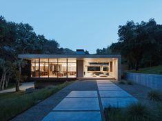 Spring Valley House by StudioMET