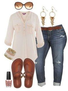 Plus size boyfriend jeans outfit - plus size fashion for women - alexa webb - alexawebb Looks Chic, Looks Style, Style Me, Xl Mode, Mode Plus, Curvy Girl Fashion, Look Fashion, Size 16 Fashion, Feminine Fashion