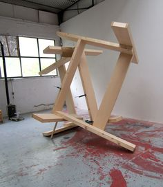 Manu Muniategiandikoetxea .- MM R 29, dg. Sculpture .- Wood, 300 x 300 x 300 cms, 2009