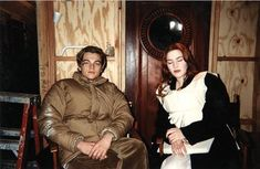 Titanic behind the scenes photos including DiCaprio, Winslet, James Cameron and others. - - Titanic behind the scenes photos including DiCaprio, Winslet, James Cameron and others. Leonardo And Kate, Kate Winslet And Leonardo, Leonardo Dicaprio Kate Winslet, Young Leonardo Dicaprio, Leonardo Dicapro, Titanic Behind The Scenes, Titanic Movie Facts, Leo And Kate, James Cameron