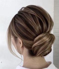 Schönes Hairbun Tutorial - Formale Frisuren 2020 -  Schönes Haarknoten-Tutorial – Formale Frisuren 2020  - #formale #frisuren #hairbun #schones #tutorial