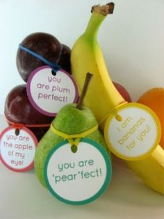 I found this ADORABLE idea on be different...act normal blog(love that sentiment too!). It is actually an idea from alpha+mom and you can get the tutorial and downloads here. Perfect for the kids lunchbox, but also a gread idea for a bridal shower or engagement party! Notice she used rubber bands