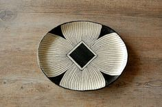 A Plate A Day: Ashida Pottery  http://aplateaday.blogspot.com/2012/05/907.html
