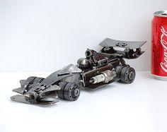 escultura en metal fórmula uno F1 modelo reciclado hecho a mano arte regalo para aniversario cumpleaños boda de Navidad