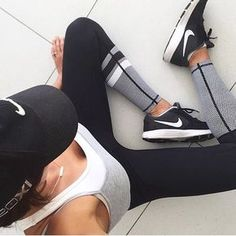 YOU CAN ALWAYS COUNT ON A PAIR OF LILYBOD LEGGINGS TO GET YOU THROUGH A BAD WORKOUT, OR BAD DAY  ULTIMATE #LILYBODBABE @DANIBONNOR IN THE ZOE RUNWAYS & THEY'RE RESTOCKED IN ALL SIZES! #ACTIVEINSTYLE #FITFASHION #STYLECREW #LILYBOD #GETACTIVEINSTYLE