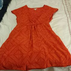 Gap patterned dress Orange patterned dress with pockets! There is a little tearing around the zipper as seen in the third picture. GAP Dresses Mini