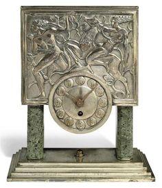 AN ART DECO MANTEL CLOCK CIRCA 1930