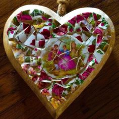 Mosaic heart made by www.mozayiko.eu #mosaics #morvan #mosaicworkshops #kreativurlaub #mosaikkurs #creativeholiday #creativeworkshop #burgundy #france