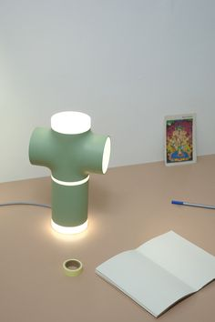 Product and graphic design by Nick Beens Desk Lamp, Table Lamp, Graphic Design, Lighting, Eindhoven, Projects, Inspiration, Beautiful, Graduation