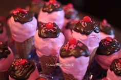 ice cream cone cake pops by Diane's Sweet Treats - (Diane Burke), via Flickr
