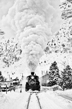 """Durango & Silverton Narrow Gauge Railroad (D&SNG) """"ALCO"""", Class Steam Locomotive ( Built in 1923 – it is now a Tourist and Heritage Line Hauling Passengers, and is One of the Few Places in the U. Which has Seen Continuous Use of Steam Locomotives. Beautiful Places, Beautiful Pictures, Old Trains, Vintage Trains, Bonde, Steam Locomotive, Train Tracks, Winter Scenes, Belle Photo"""
