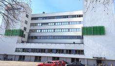 Der Photo-Bioreaktor am EUREF-Campus in Berlin. Platzsparend und ins Stadtbild integriert. | Bild: Mint Engineering GmbH