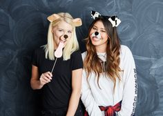 Discover the creative costume ideas you can easily DIY for Halloween this year. From the cast of Stranger Things to a costume replica of the trendiest drink of the year, get inspired by these fun and colorful ideas. Snapchat Filter Halloween Costume, Most Popular Halloween Costumes, Last Minute Halloween Costumes, Creative Costumes, Halloween Diy, Family Halloween, Snapchat Halloween, Zombie Costumes, Halloween Headband