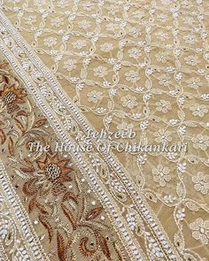 No photo description available. Embroidery Neck Designs, Embroidery Works, Embroidery Motifs, Embroidery Dress, Chicken Kari Suits, Lucknowi Suits, Heavy Dupatta, Indian Wedding Fashion, Saree Styles