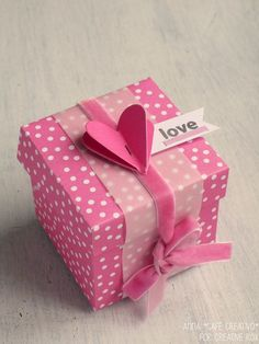 Valentines Gift Box made with the Big Shot Plus starter kit from Creative Rox Homemade Gift Boxes, Diy Gift Box, Diy Arts And Crafts, Crafts To Sell, Big Gift Boxes, Explosion Box Tutorial, Sizzix Big Shot Plus, Valentines Gift Box, Easter Crafts