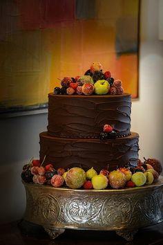 Now that is one classy groom's cake    edmonson_weddings_17