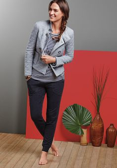 Loungewear for Women | cabi Fall 2016 Collection ~ Our Quilted Jacket, Ernest Tee, & Trek Jogger make a perfect ensemble for the woman who CRAVES comfort! <3