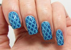 Blue Quilted Nails mit Via Airmail (ESSENCE, Ready For Boarding)