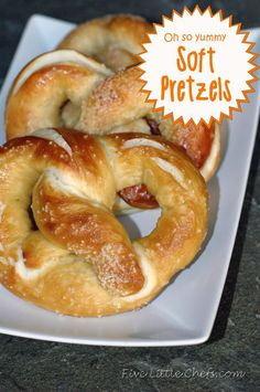 Soft Pretzels from fivelittlechefs.com Super yummy pretzels that smell like the mall pretzels! #recipe #pretzel