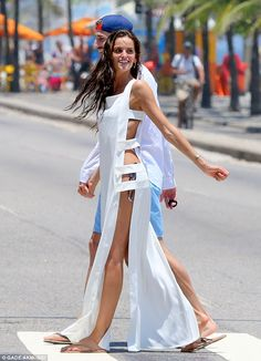 Victoria's Secret Angel Izabel Goulart puts pert derriere on display Showing her style: While heading to the beach, Izabel rocked a long white dress with cutou… Izabel Goulart, Short Outfits, Summer Outfits, Summer Dresses, Mode Kimono, Bikini Mode, Trendy Swimwear, High Cut Bikini, Bikini Fashion