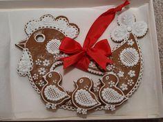 Perník Meringue, Biscuits, Easter Cookies, Salt Dough, Decorated Cookies, Cookie Decorating, Gingerbread Cookies, Cookie Cutters, Sewing