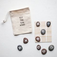 A sweet and simple nature-inspired Valentine made from stones and wood!