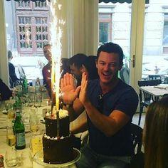 """154 mentions J'aime, 7 commentaires - SweetNitina (@sweetnitina) sur Instagram : """"Luke Evans IG source @phillip.bodenham Thank you for sharing. #LukeEvans"""""""