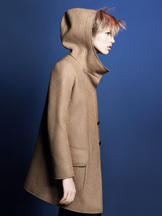 Raquel Zimmermann stars as the face of Jil Sander + Uniqlo's fall 2010 campaign photographed by David Sims. Ready for the fall in heavy coats and jackets… Raquel Zimmermann, David Sims, Jil Sander, Fall Outfits, Travel Outfits, Travel Wardrobe, Uniqlo, Autumn Winter Fashion, Fall Winter