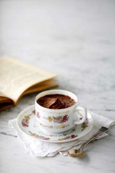 Chocolate mousse with rum Story: Juulia Reinikka Photo: Joonas Vuorinen Kotivinkki www. Rum, Mousse, Tea Cups, Chocolate, Baking, Tableware, Desserts, Food, Tailgate Desserts