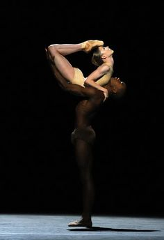 Black And White  Sarah Lamb and Eric Underwood of the Royal Ballet in Limen