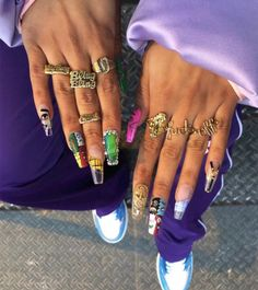 My nail flex all 2020 going to look like this! Bringing back this whole vibe Funky Nails, Dope Nails, Swag Nails, Sassy Nails, Nail Design Stiletto, Nail Design Glitter, Ghetto Nails, Nagel Bling, Nail Jewelry