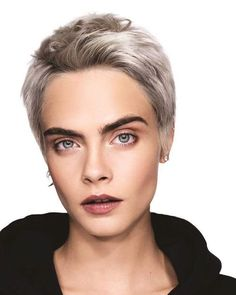 Fashion Wallpaper Vogue Cara Delevingne 64 Ideas For 2019 Short Hair Dont Care, Short Hair Cuts, Short Hair Styles, Goddess Hairstyles, Pixie Hairstyles, Cara Delevingne Hair, Cara Delevingne Wallpaper, Cara Delvingne, Pelo Pixie