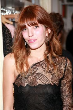 lou doillon // hair color Charlotte Gainsbourg, Lou Doillon, Jane Birkin, Redheads Freckles, Mannequin, Hair Color, Fairy, Mom, Chic
