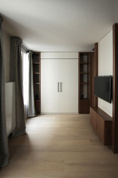 MICHEL AMAR  Nouveau projet de studio #project #interior #studio #design #interiordesign #wood #architecture #modernism #architect #luxury #luxe #custom #appartement #paris #walnut #tv #livingroom #michelamar #scandinavian