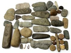 MIXED NATIVE AMERICAN STONE TOOLS & FISH HOOKS : Lot 2052