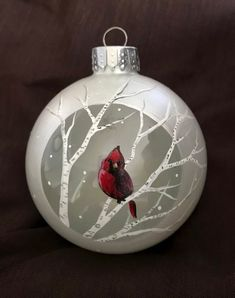 New Ideas For Painting Glass Ornaments Diy Products Diy Painting Happy New Year Handpainted Christmas Ornaments, Cardinal Ornaments, Hand Painted Ornaments, Glass Christmas Ornaments, Christmas Bulbs, Christmas Projects, Holiday Crafts, Christmas Wreaths, Christmas Crafts