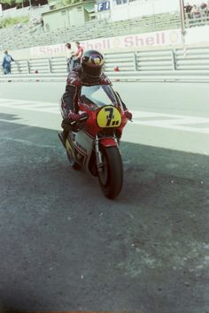 barry. spa. 1982