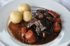 Daube of Beef Recipe - perfect for Bastille Day celebrations My Favorite Food, Favorite Recipes, Dinner In Paris, Beef Cheeks, Simple Green Salad, Bastille Day, French Classic, Beef Bourguignon, Different Recipes