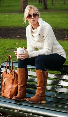 Perfect outfit for winter! I like everything about it... Every piece!