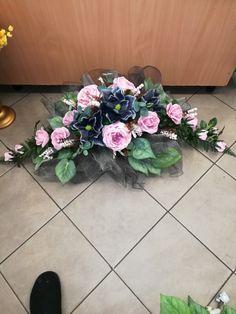 Vence, Funeral Flowers, Arte Floral, Ikebana, Fresh Flowers, Memorial Day, Floral Arrangements, Floral Design, Floral Wreath