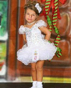 Cheap White Toddler Pageant Dresses Off Shoulder Mini Short Cake Princess Kids Formal Wear Little Girls Pageant Gowns White Pageant Dresses, Toddler Pageant Dresses, Beauty Pageant Dresses, Pagent Dresses, Little Girl Pageant Dresses, Glitz Pageant, Pageant Wear, Girls Easter Dresses, Girls Pageant Dresses