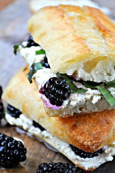 Vegan Blackberry, Basil and Ricotta Pressed Sandwich – Rabbit and Wolves The greatest summer time pressed sandwich! Blackberries, basil and vegan ricotta, drizzled with agave and pressed to perfection! Healthy Vegan Dessert, Vegan Foods, Vegan Dishes, Vegan Lunches, Vegan Snacks, Pressed Sandwich, Whole Food Recipes, Cooking Recipes, Eat Better