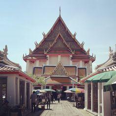Wat Kalayanimit วัดกัลยาณมิตรวรมหาวิหาร  #WatKalayanimit #Thonburi #MyKrungthep #Bangkok Hidden Treasures, Bangkok, Cabin, House Styles, Home Decor, Decoration Home, Room Decor, Cottage, Interior Decorating